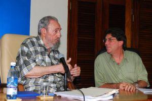 Se reúne Fidel con embajadores cubanos